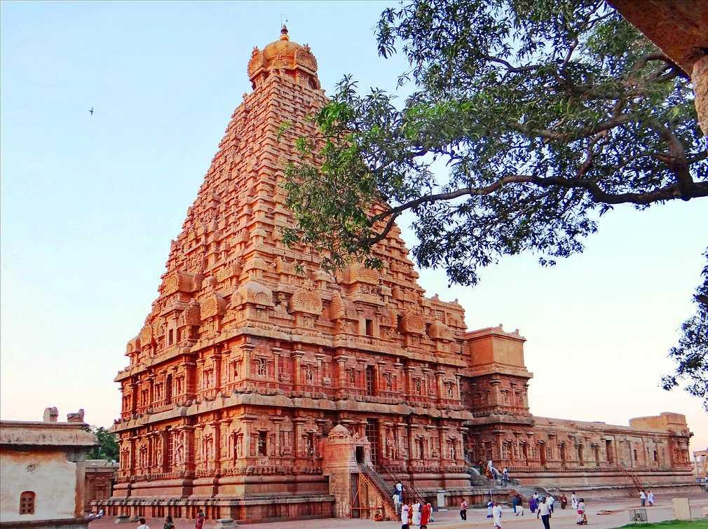 Thanjavur Brihadeeswarar Temple hola dynasty World Heritage day